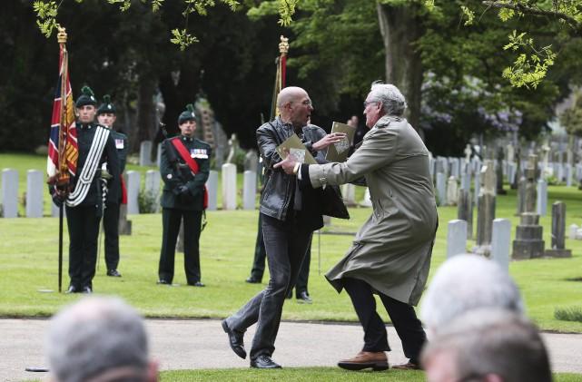 Jeudi dernier, à Dublin, l'ambassadeur du Canada en... (AP, Brian Lawless)