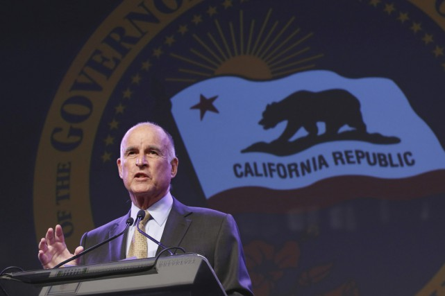 Le gouverneur de la Californie Jerry Brown... (PHOTO Rich Pedroncelli, ARCHIVES AP)