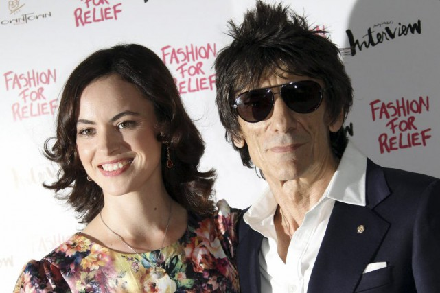 Ronnie Wood et sa femme, Sally Humphries, en... (Photo Joel Ryan, Archives AP)