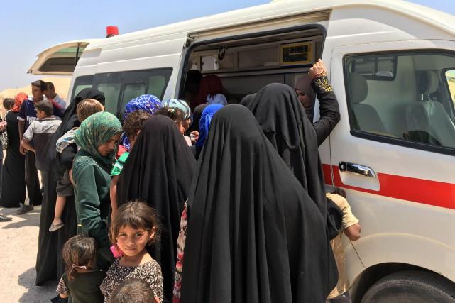Quelque 5000 personnes ont pu s'échapper de la... (Photo Jean Marc MOJON, AFP)