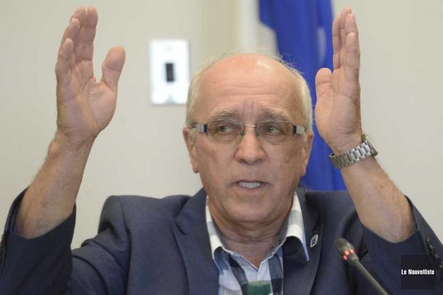 Le maire de Saint-Étienne-des-Grès, Robert Landry.... (Sylvain Mayer, Le Nouvelliste)