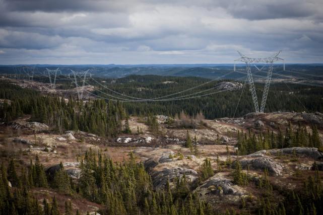 La nouvelle ligne de 735 kv Micoua-Saguenay deviendra... (Photo courtoisie)
