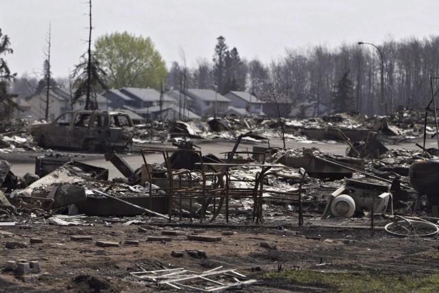 Un immense incendie de forêt a détruit 10pour... (Archives La Presse Canadienne)