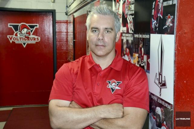 Le nouveau directeur général et entraîneur-chef des Voltigeurs... (La Tribune, Yanick Poisson)