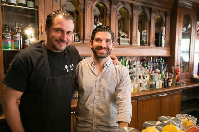 Steven Owen et Drahos Chytry, copropriétaires du pub... (Photo François Roy, La Presse)