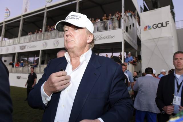 Le magnat de l'immobilier qui a racheté le... (PHOTO REUTERS)