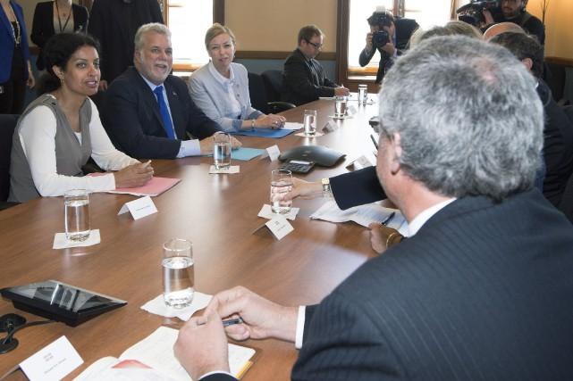 Les dirigeants de cinq organisations patronales rencontraient le... (Photo Jacques Boissinot, La Presse Canadienne)