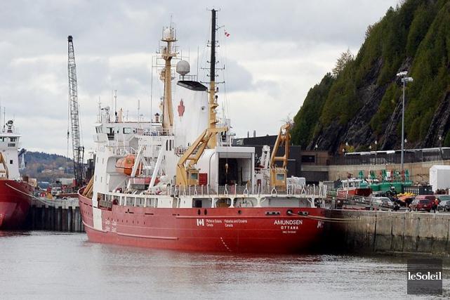 Le brise-glace scientifiqueAmundsenamarré dans le port de Québec... (Le Soleil, Erick Labbé)