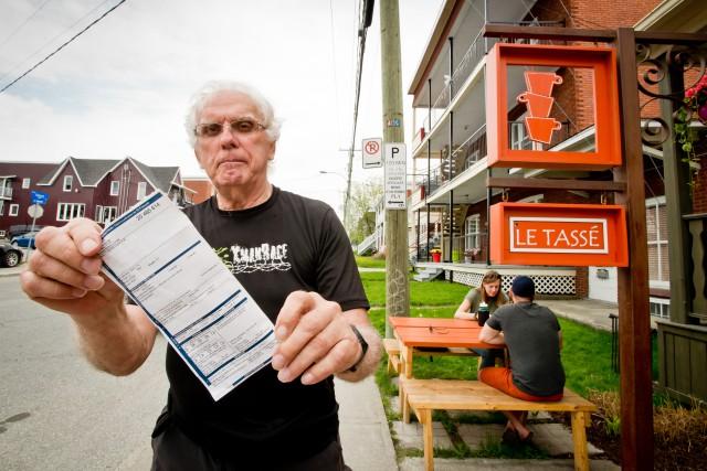 Le stationnement sur la rue du Conseil près de la rue Murray à Sherbrooke... (Spectre Média, Jessica Garneau)