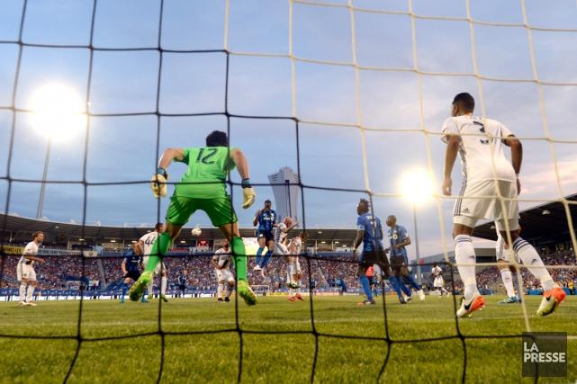 La FIFA a indiqué que la reprise vidéo sera mise à l'essai dans diverses... (Photo Bernard Brault, La Presse)