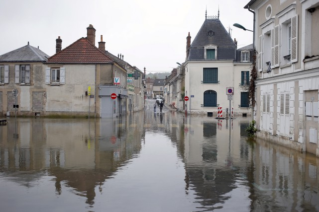À Souppes Sur Loing, au sud de Paris... (Associated Press, François Mori)