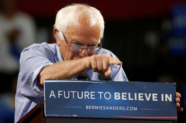 «Bernie Sanders veut s'entêter», écrit Alexandre Sirois.... (PHOTO STEPHEN LAM, REUTERS)