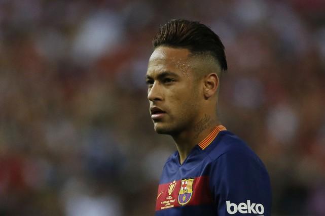 L'attaquant brésilien Neymar est sur le point de... (Photo Juan Medina, Reuters)