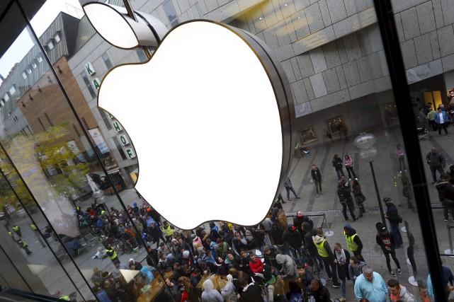 Tout une série de services en ligne du groupe informatique américain Apple ont... (Archives AP)