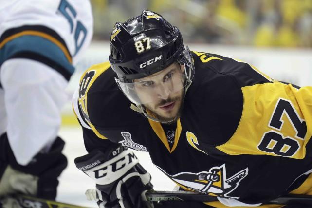 Le capitaine des Penguins, Sidney Crosby, a remporté... (AFP, Bruce Bennett)