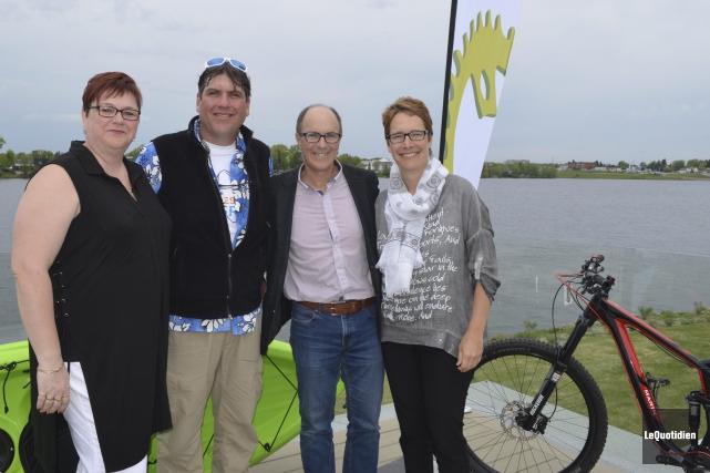 Sylvie Cantin, Pascal Ouellette, Martin Demers et Suzanne... (Photo Le Quotidien, Louis Potvin)
