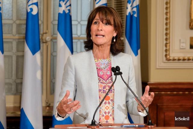 La ministre de l'Immigration, Kathleen Weil, opte pour... (Le Soleil, Pascal Ratthé)