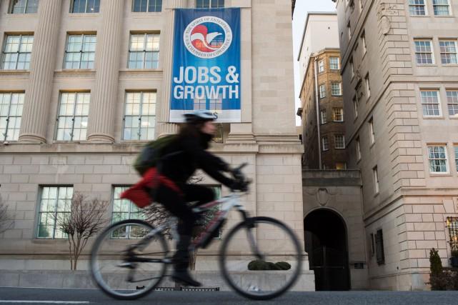Le taux de chômage a reculé en octobre aux États-Unis grâce à des créations... (PHOTO ANDREW CABALLERO-REYNOLDS, ARCHIVES AFP)