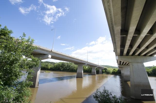 Quelles sont les actions posées pour préserver la rivière Saint-François? Quels... (Archives La Tribune, Julien Chamberland)