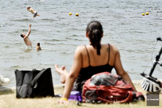 Les destinations canadiennes auront la cote chez les vacanciers québécois cet... (Archives La Tribune)