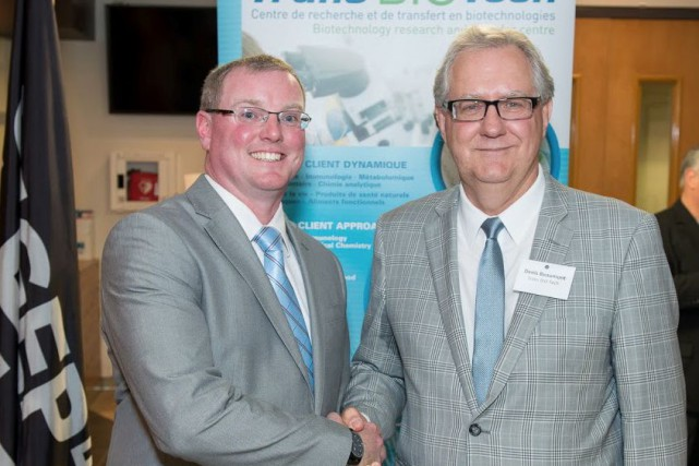 Ken Doyle (à gauche), directeur général du réseau... (PHOTO FOURNIE PAR le groupe Subrosa)