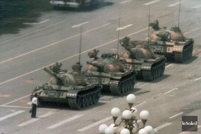 La photo mondialement célèbre des événements de Tiananmen,... (Photothèque Le Soleil)