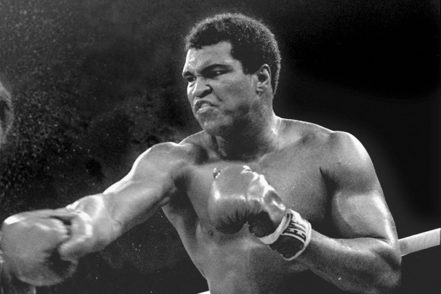 Muhammad Ali... (AP, archives, Mitsunori Chigita)