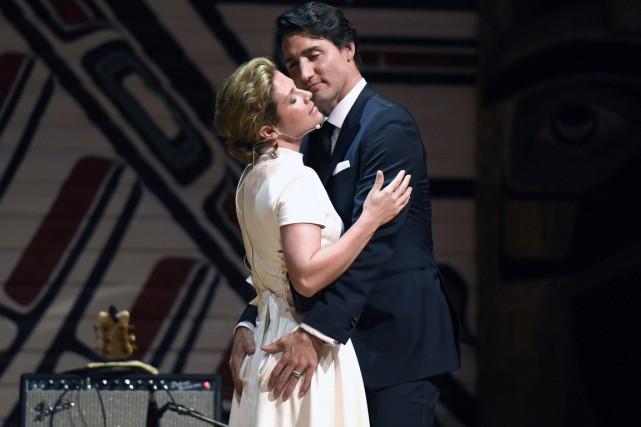 Le premier ministre et sa femme Sophie Grégoire... (Photo La Presse Canadienne)