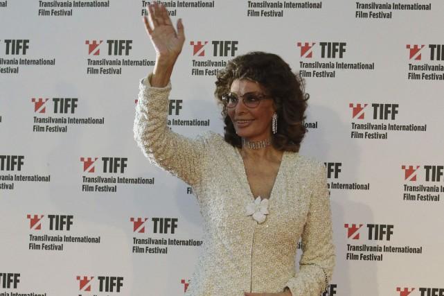 Sophia Loren a reçu le prix récompensant l'ensemble... (AFP, Mircea Rosca)