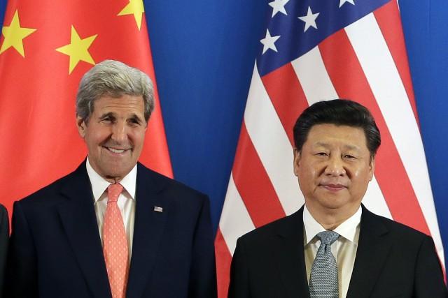 Le secrétaire d'État américain John Kerry et le... (Photo AP)
