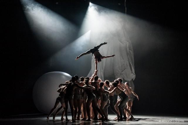 Colibri, mis en scène par Edgar Zendejas, est... (Photo Roland Lorente, fournie par l'École nationale de cirque)