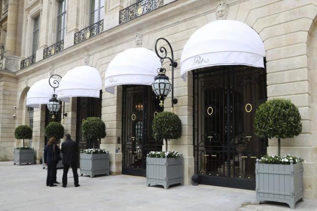 L'entrée de l'hôtel Ritz de Paris.... (PHOTO JACQUES DEMARTHON, AGENCE FRANCE-PRESSE)