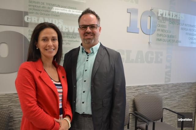 La directrice générale et le président de Coderre,... ((Photo Le Quotidien, Laura Lévesque))