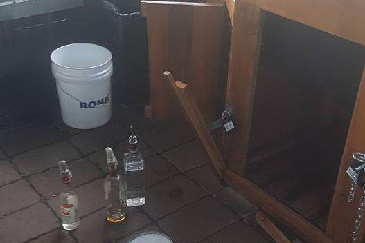 Un vol d'une dizaine de bouteilles d'alcool a... (Photo tirée de Facebook)