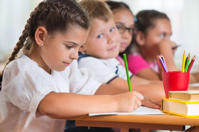 Québec ajoute 30 classes aux 70 maternelles 4... (123rf/petro)