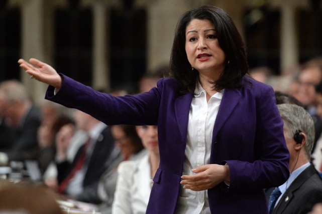 La ministre des Institutions démocratiques, Maryam Monsef, maintient... (PHOTO PC)