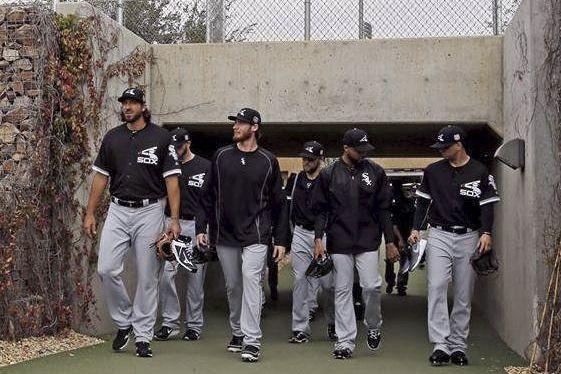 Le lanceur Philippe Aumont (à gauche)... (Tirée de MLB.com)