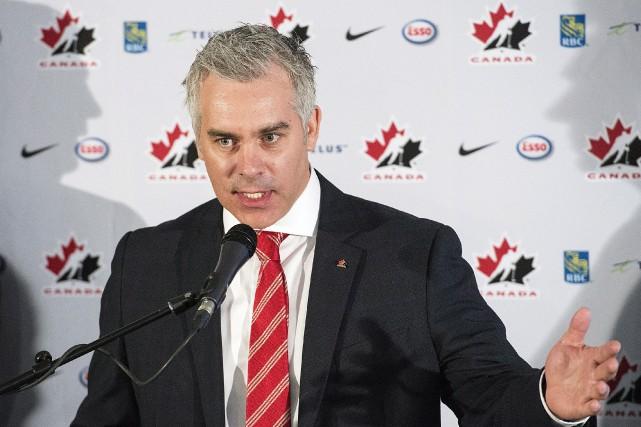 À peine embauché comme directeur général et entraîneur-chef... (La Presse Canadienne, Graham Hughes)