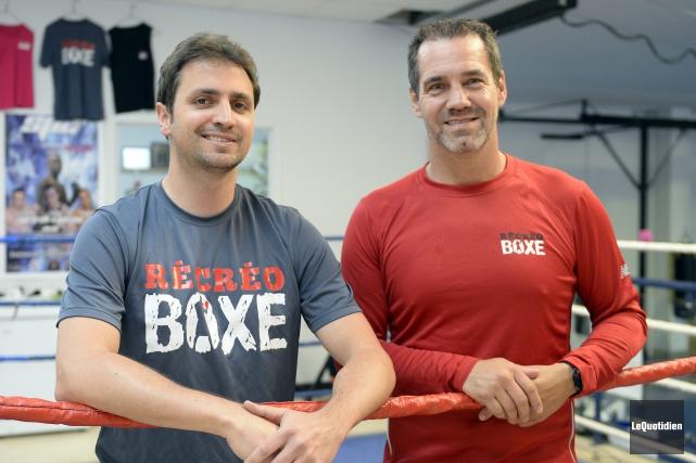 Le kinésiologue Frédéric Jean et l'entraîneur Denis Gravel.... (Photo Le Quotidien, Jeannot Lévesque)