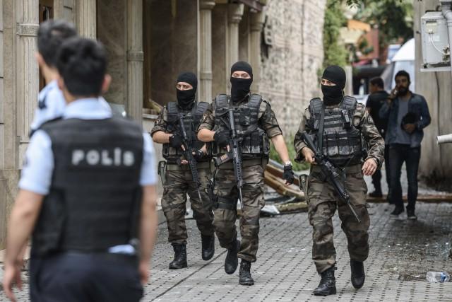 Les forces spéciales ont sécurisé le secteur de... (Agence France-Presse, Ozan Kose)