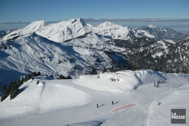 Ski dans les alpes suisses... (Photo Archives La Presse)