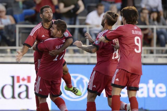 En marquant un but en début de match,... (Sean Kilpatrick, La Presse Canadienne)