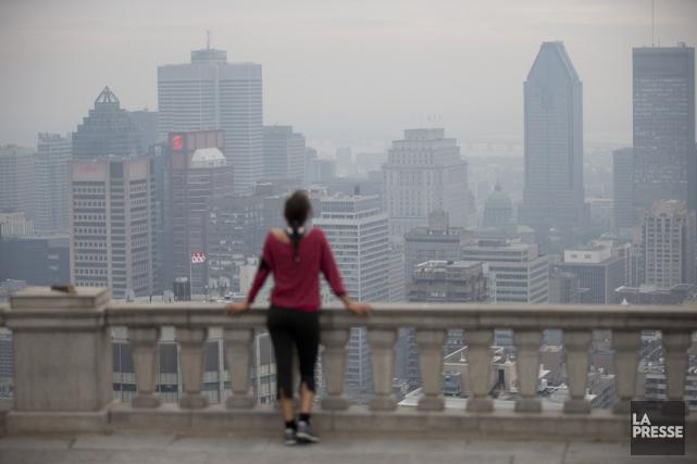 La qualité de l'air que les Montréalais respirent s'est améliorée en 2015. Le... (PHOTO ARCHIVES LA PRESSE)