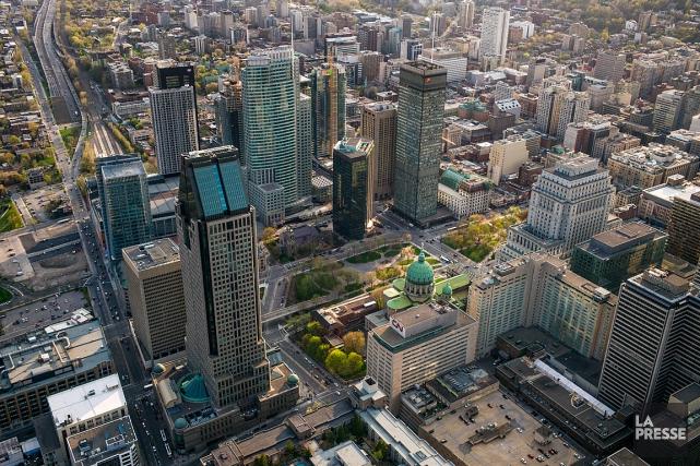 Le centre-ville de Montréal.... (PHOTO MARTIN TREMBLAY, LA PRESSE)