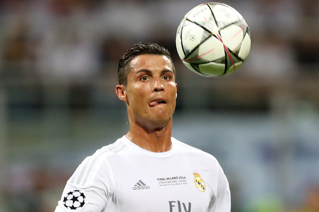 Cristiano Ronaldo a amassé 88 millions de dollars... (Photo Carl Recine, Reuters)