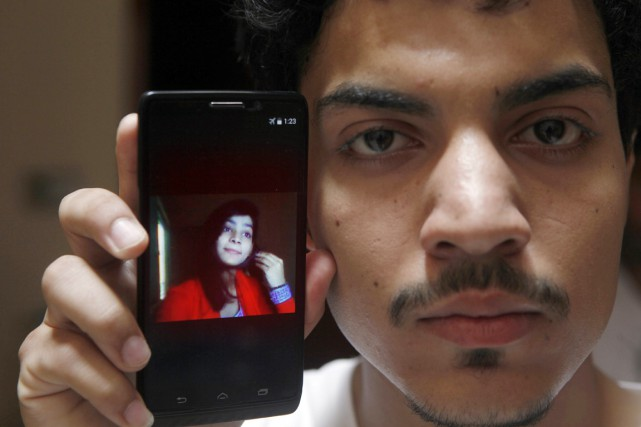 Le 29 mai, Zeenat s'était unie à Hasan... (PHOTO K.M. Chaudary, AP)