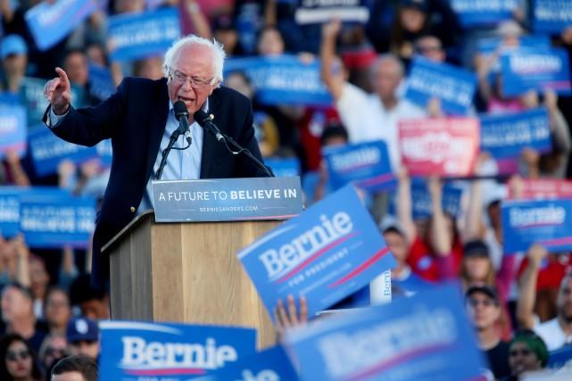 Le candidat démocrate Bernie Sanders parvient à séduire... (PhotoSandy Huffaker, Associated Press)