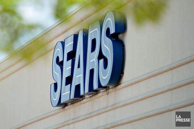 Sears a perdu de l'argent au deuxième trimestre, où ses ventes décevantes ont... (Bloomberg)