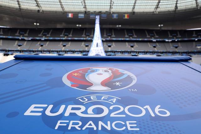 Le logo de l'Euro 2016 au Stade de... (PHOTO KENZO TRIBOUILLARD, AFP)