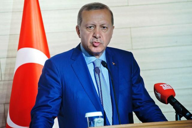 Mercredi soir, le président Erdogan a évoqué le... (PHOTO MOHAMED ABDIWAHAB, archives AFP)